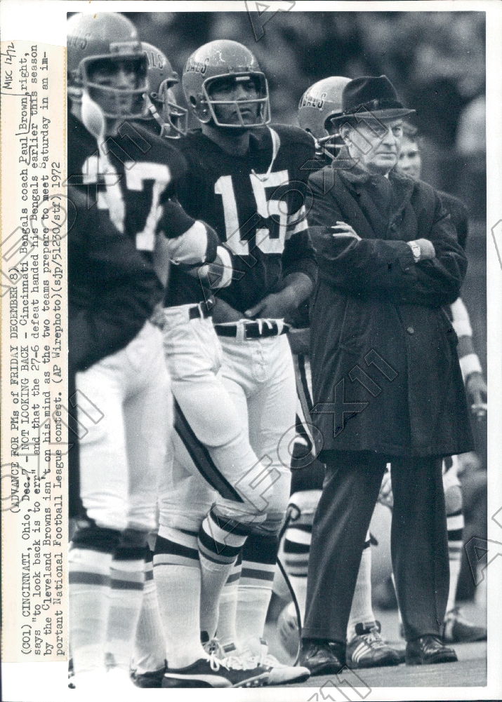 1972 Cincinnati Bengals HOF Coach Paul Brown On Sidelines In Game